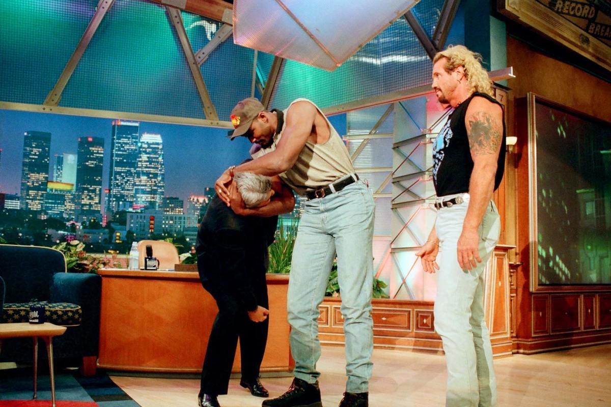 1998-Karl-Malone-Jay-Leno-Diamond-Dallas-Page.jpg