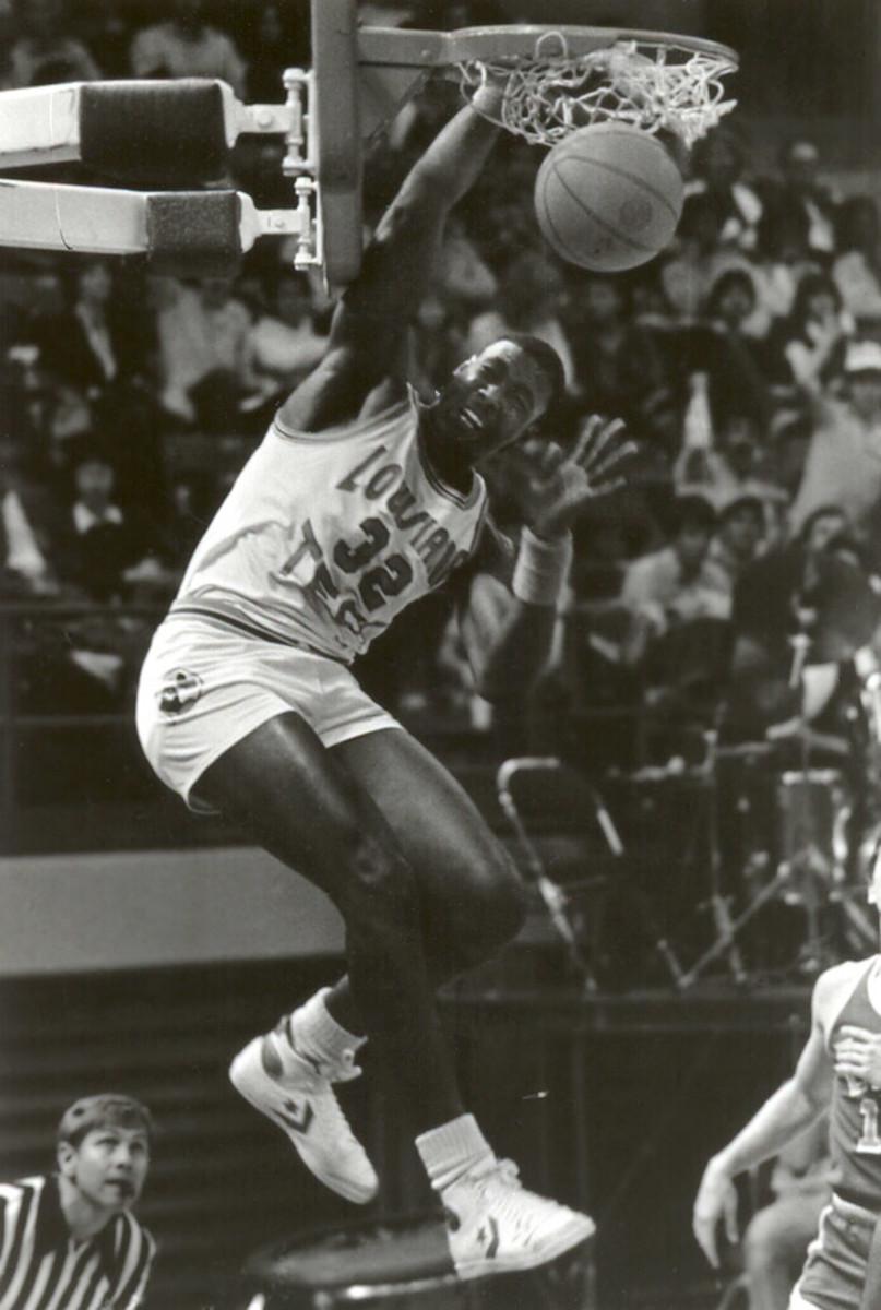 1982-85-Karl-Malone-Louisiana-Tech.jpg