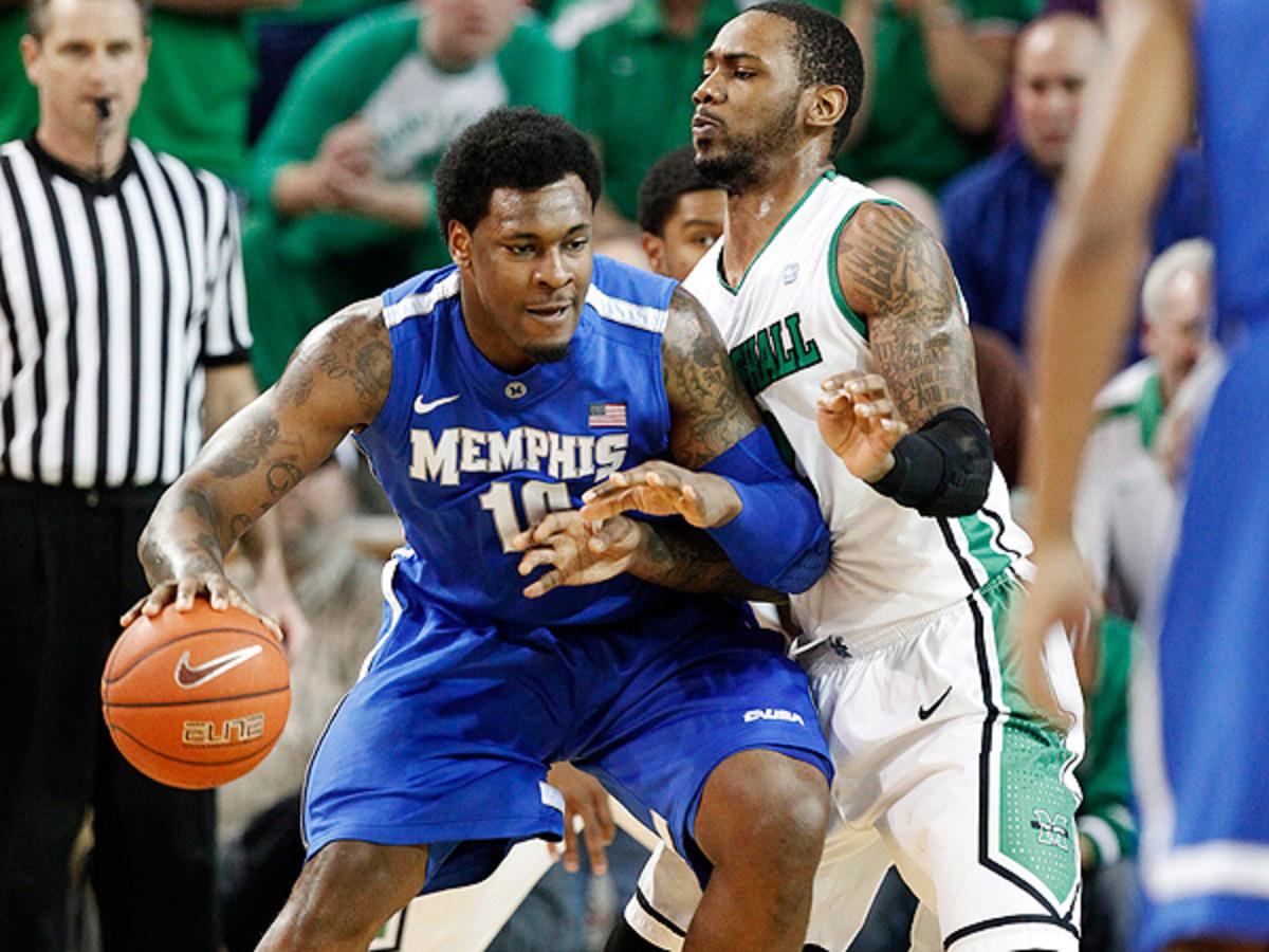 Kansas is likely an excellent fit for graduate transfer Tarik Black. (Randy Snyder/AP)