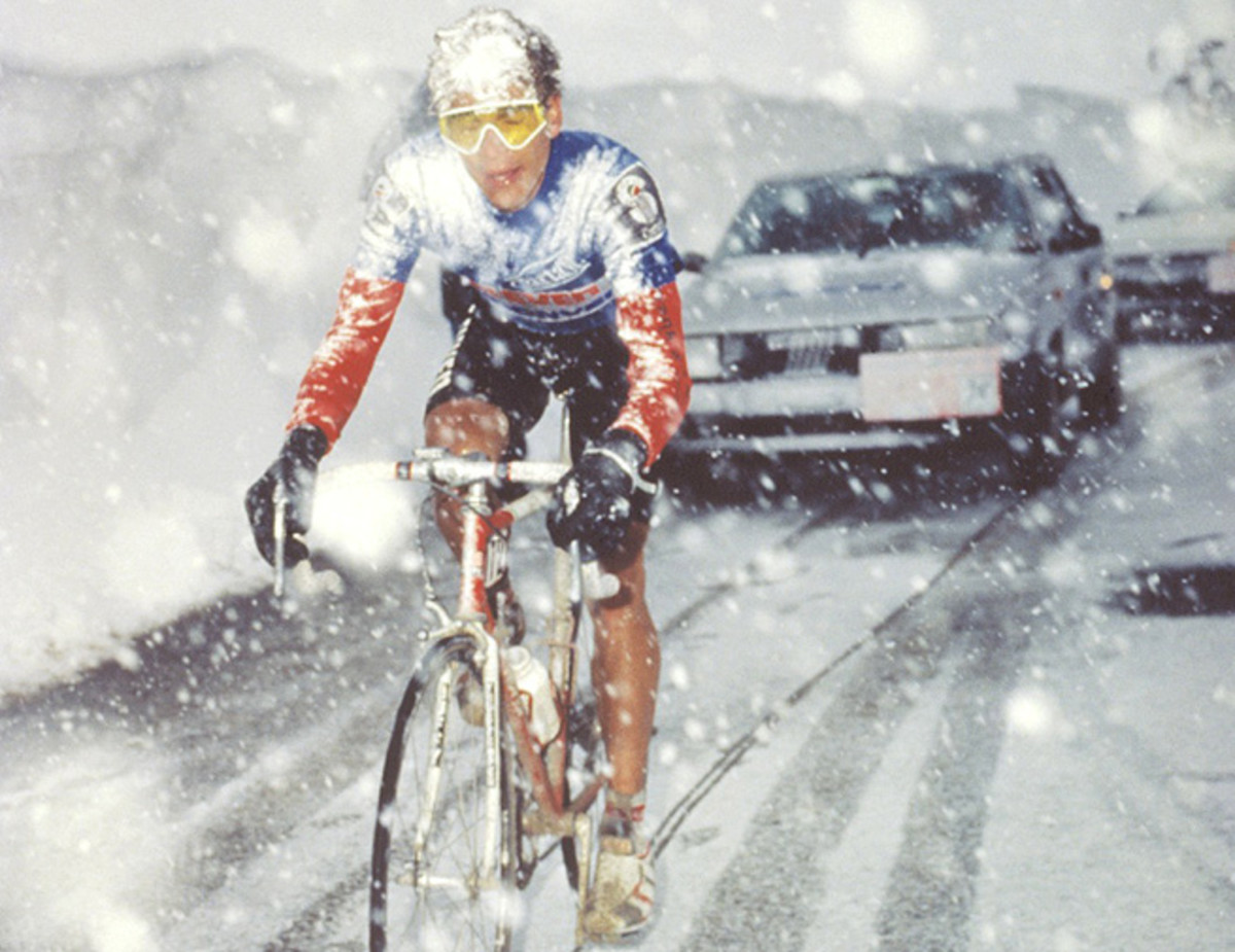 Andy Hampsten pushes on ahead of Franco Chioccioli, moments before his famous attack at the base of the Gavia climb.