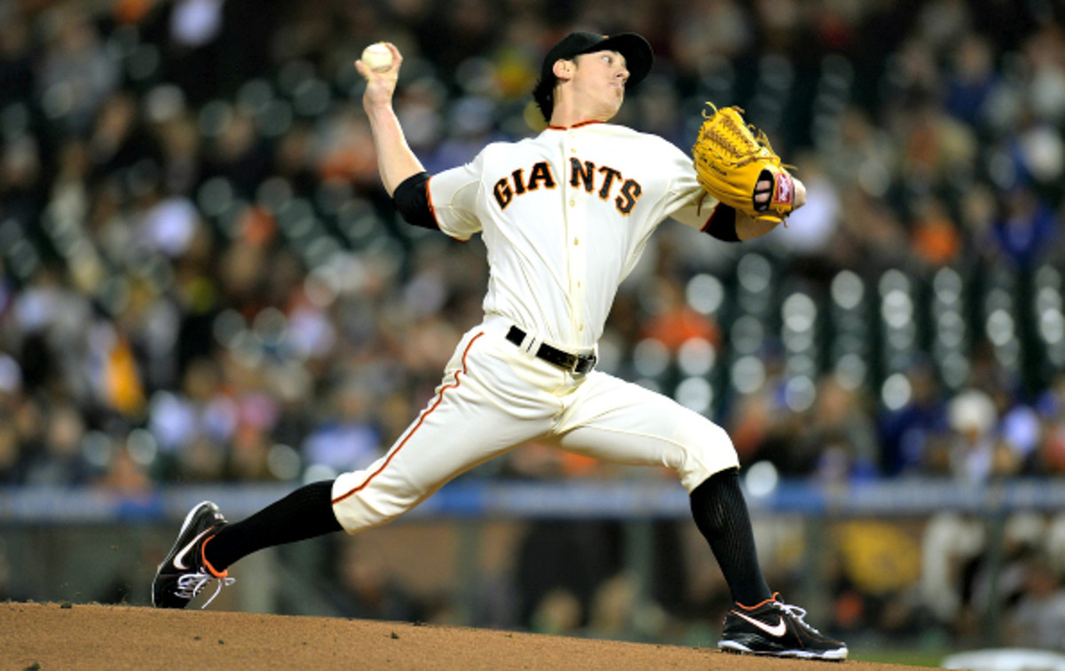 The San Francisco Giants have signed ace Tim Lincecum to a 2-year deal.