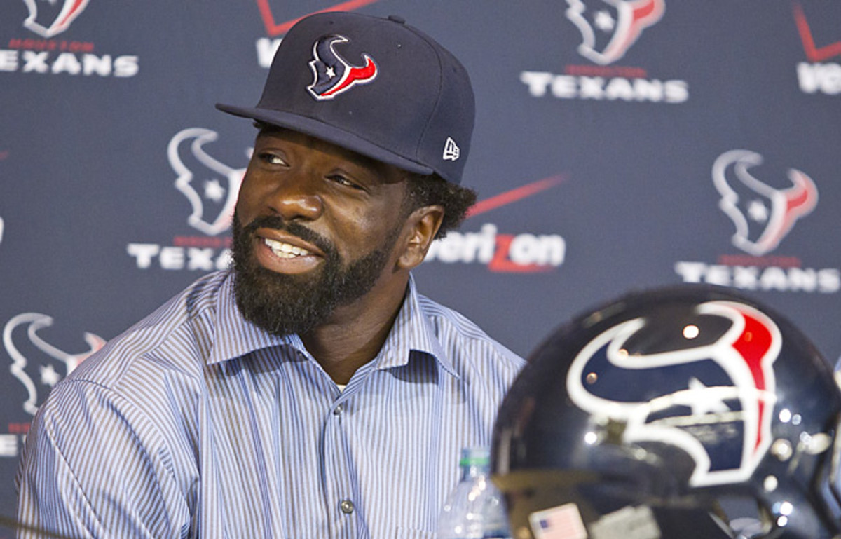 Ed Reed's debut as a member of the Texans debut has been delayed as he rehabs from surgery.