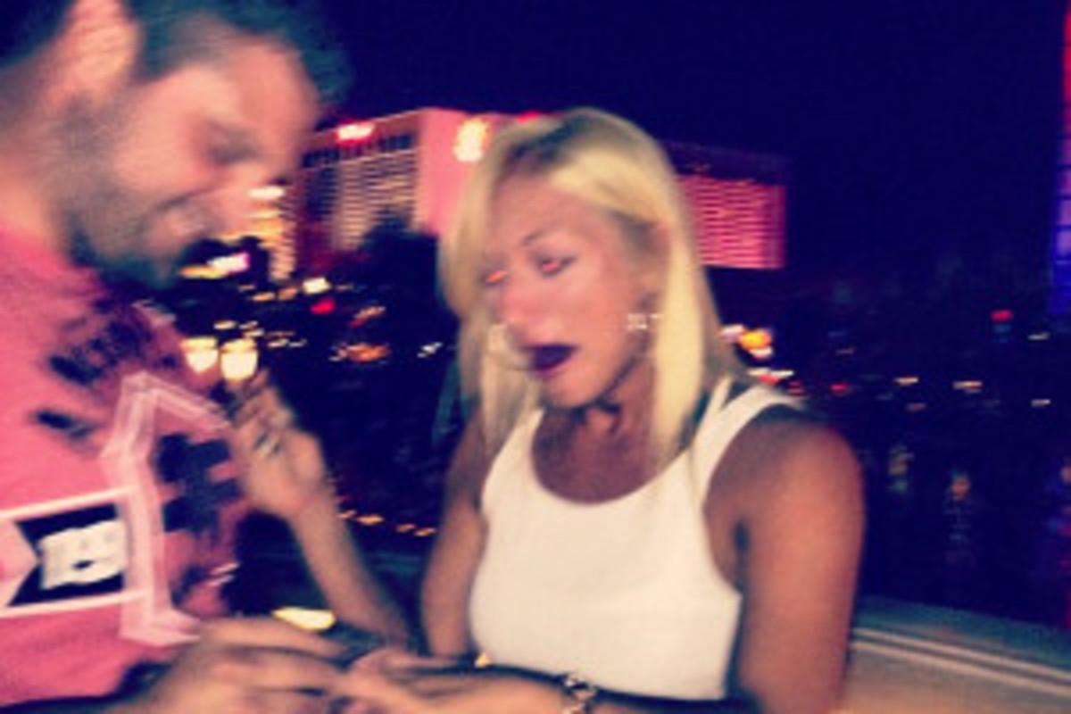 Brooke Hogan and Cowboys center Phil Costa got engaged this weekend. (Via instagram/com/mizzhogan)