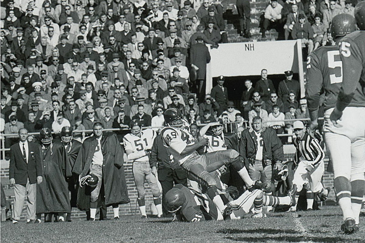 Bobby Mitchell and the Redskins played in Philly that Sunday, though players described the atmosphere as churchlike. (AP)