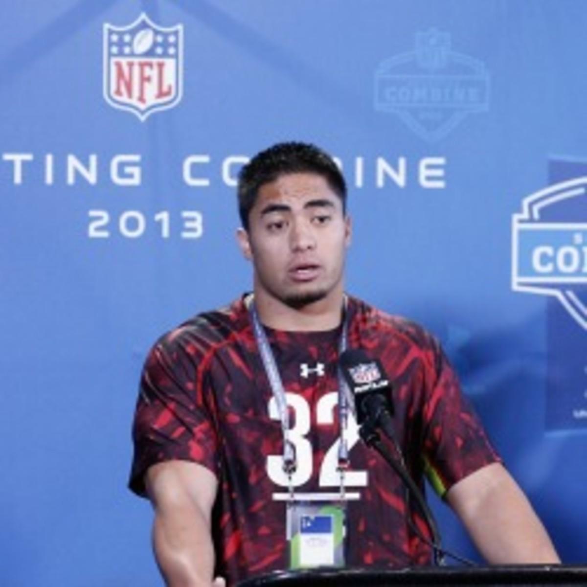 Manti Te'o ran a 4.81 40-yard dash at the combine. (Joe Robbins/Getty Images)
