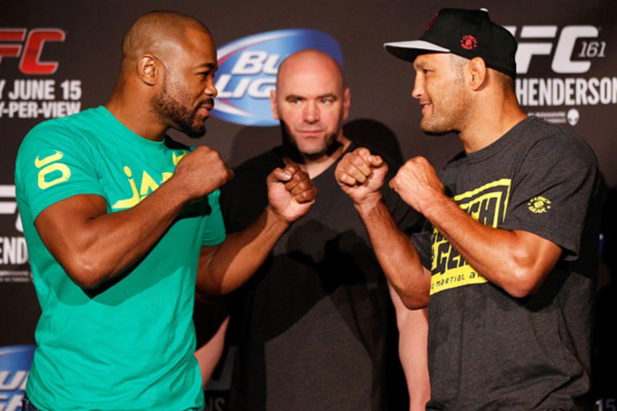 Light heavyweight Rashad Evans (left) will fight Dan Henderson in Winnipeg. (Zuffa LLC via Getty Images)