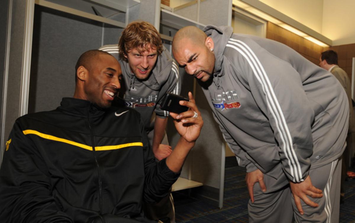 Kobe Bryant joins Twitter. (Andrew D. Bernstein/Getty Images)