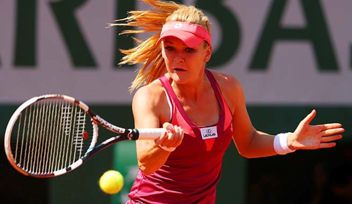 No. 4 Agnieszka Radwanska could play younger sister Urszula in the third round.