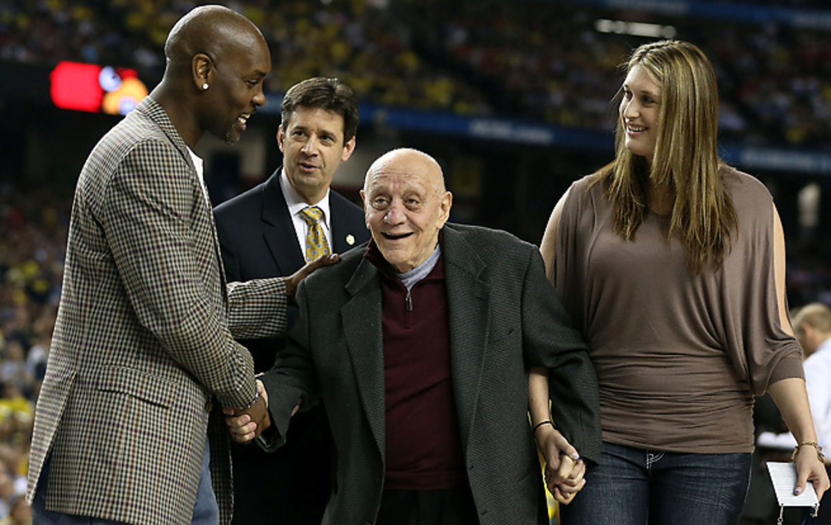 Gary Payton and Jerry Tarkanian were two college basketball hall-of-fame inductees in 2013.
