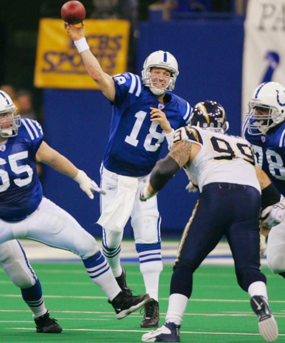 Peyton Manning passes Dan Marino