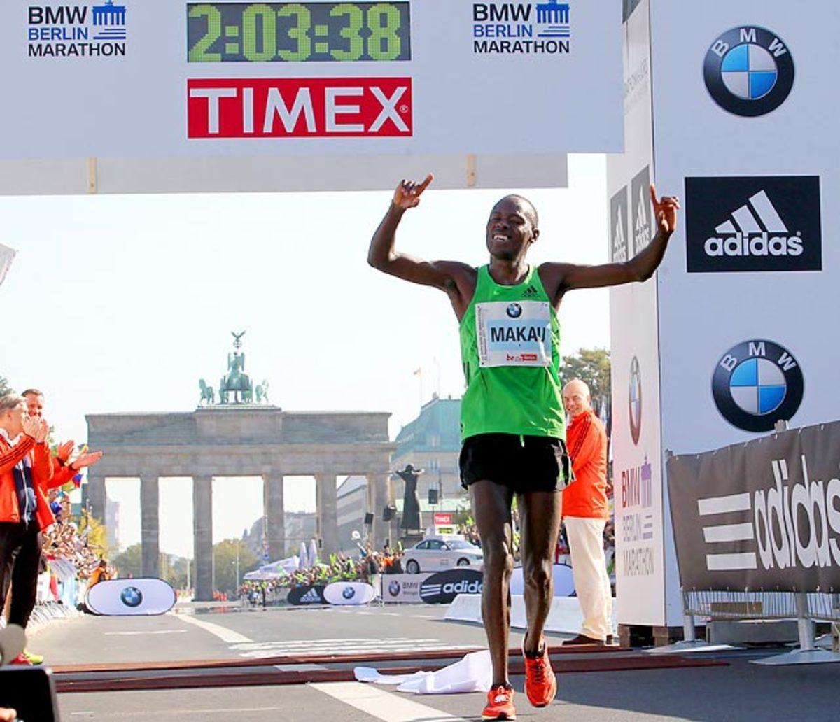 Patrick Makau runs marathon in 2:03:38