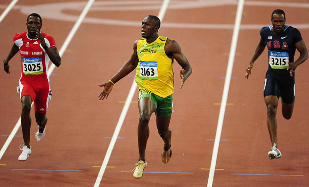 Usain Bolt runs 100m dash in 9.69sec