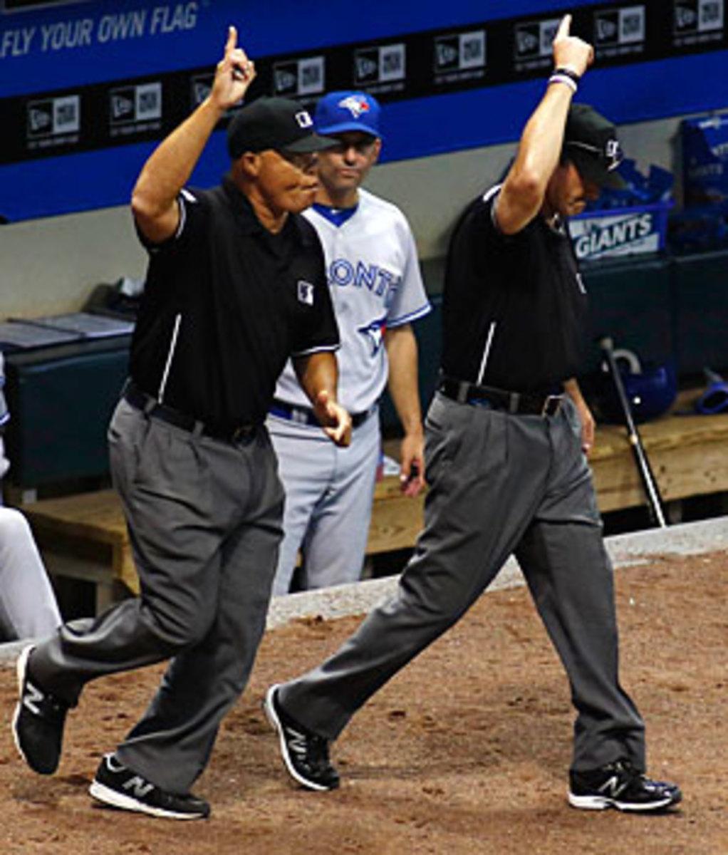 umpires-reuters2
