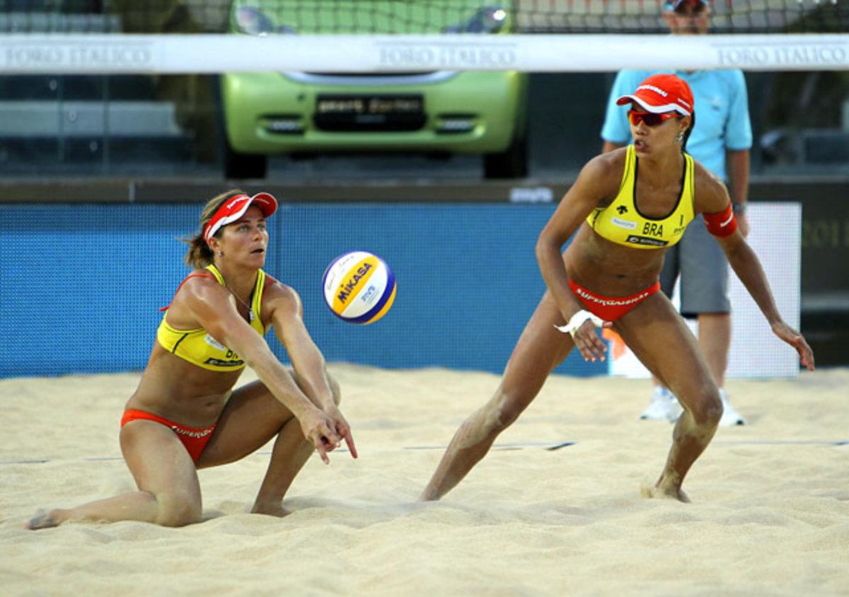Larissa Franca and Juliana Silva