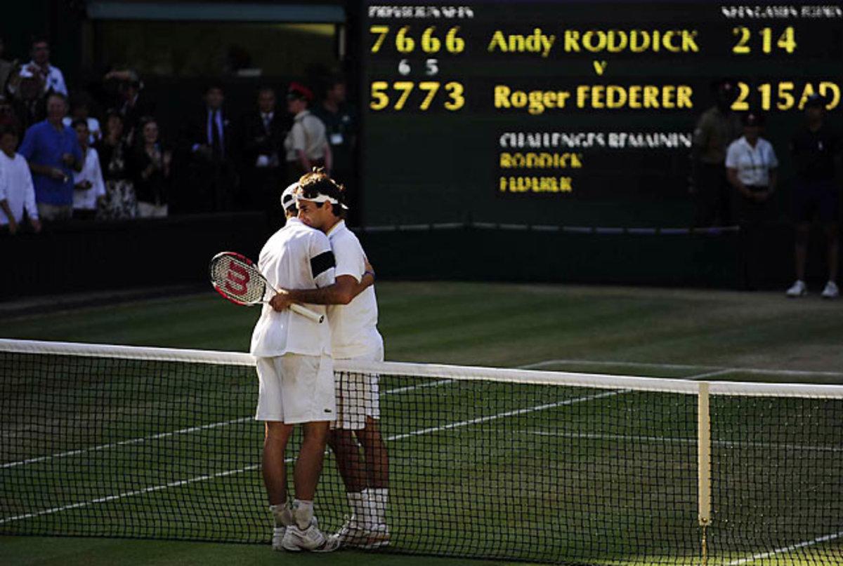 Federer Defeats Roddick