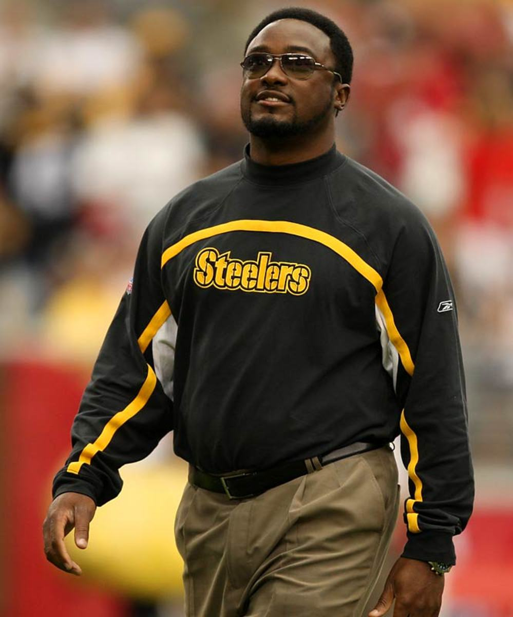 Pittsburgh hires Mike Tomlin