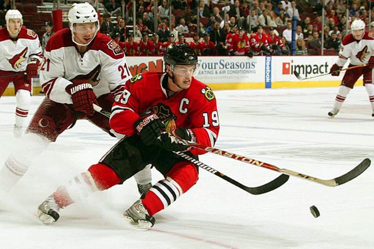 Jonathan Toews, center, Chicago Blackhawks