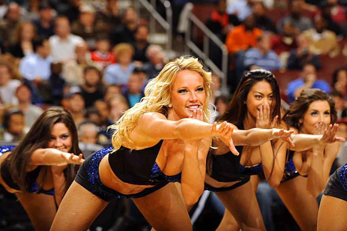 sixers-dancers%2801%29.jpg