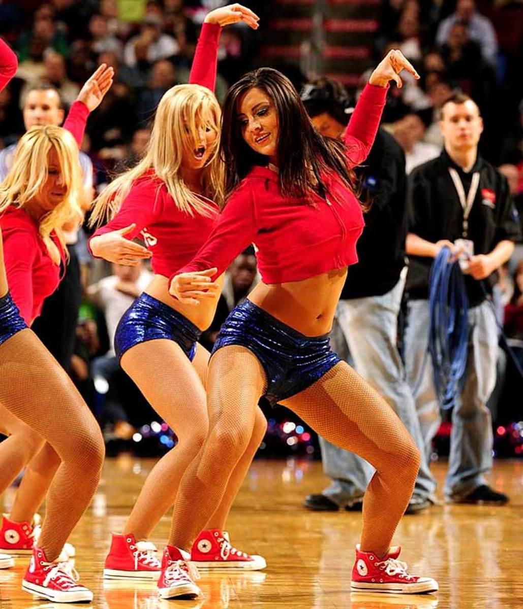 sixers-dancers%2810%29.jpg
