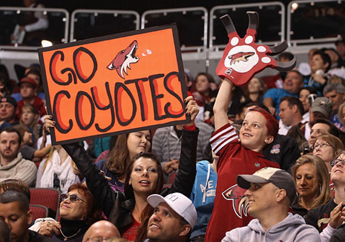 coyotes-fans