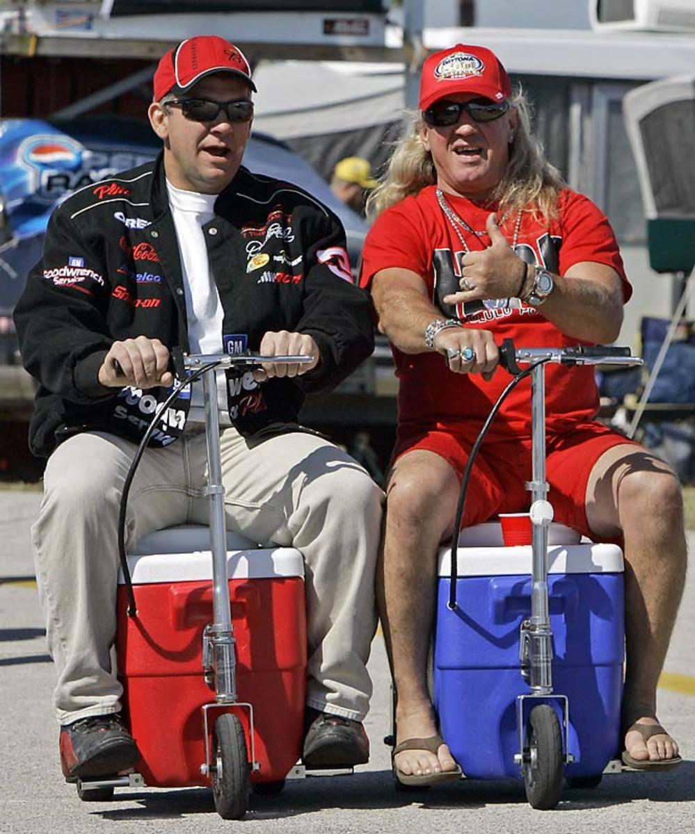 NASCAR-Daytona-Auto-Racing.jpg