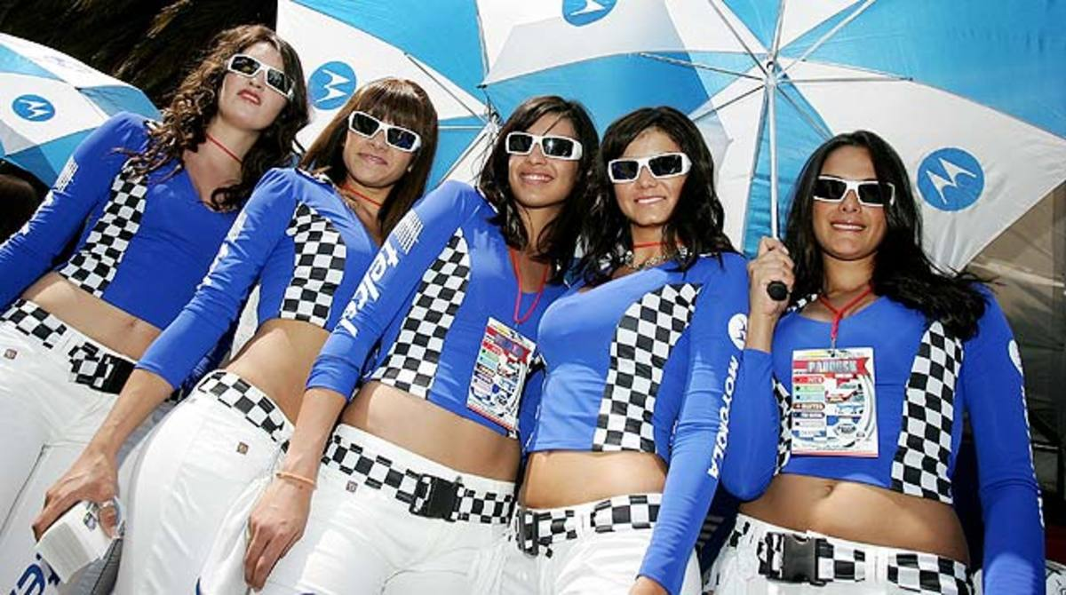 Busch-Mex-Girls.jpg