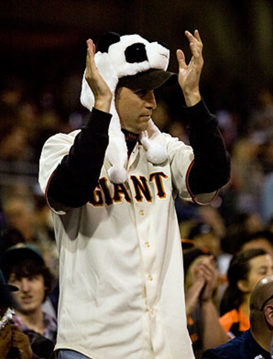 giants-fan-panda-smi2.jpg