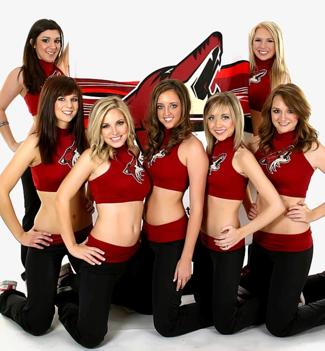 coyotes-the-pack-dancers%2809%29.jpg