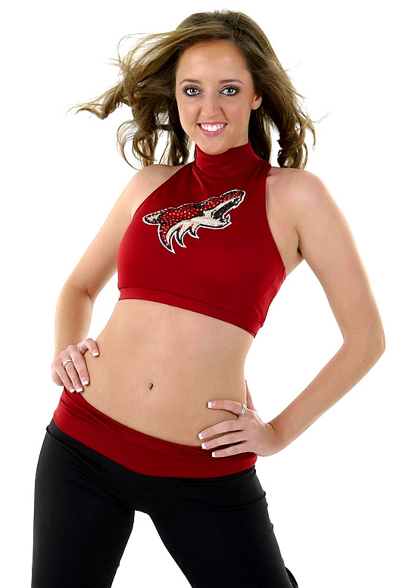coyotes-the-pack-dancer%2801%29.jpg