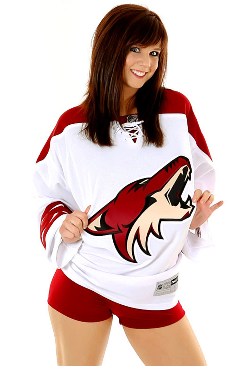 coyotes-the-pack-dancer%2817%29.jpg