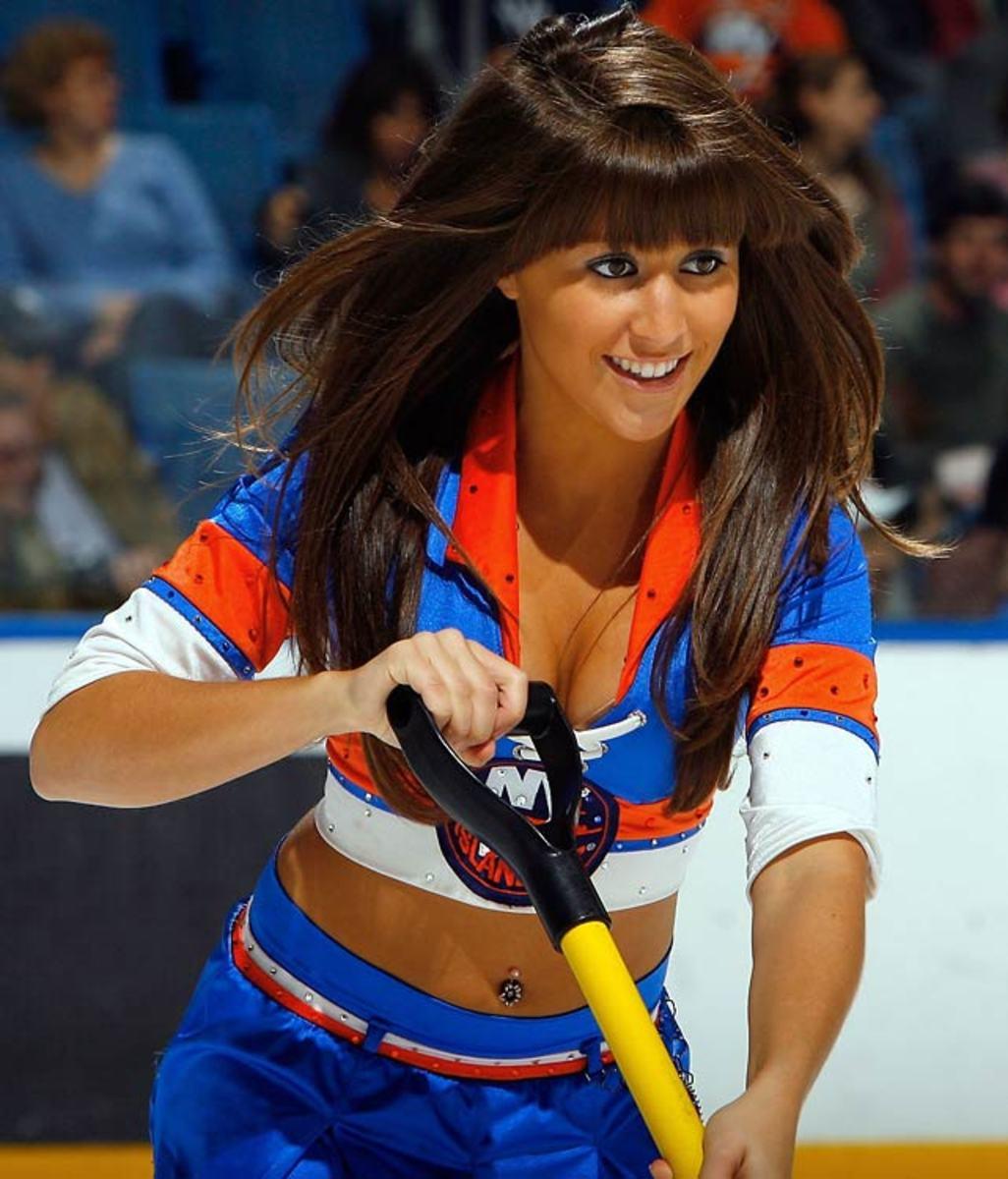 islanders-ice-girl%2801%29.jpg