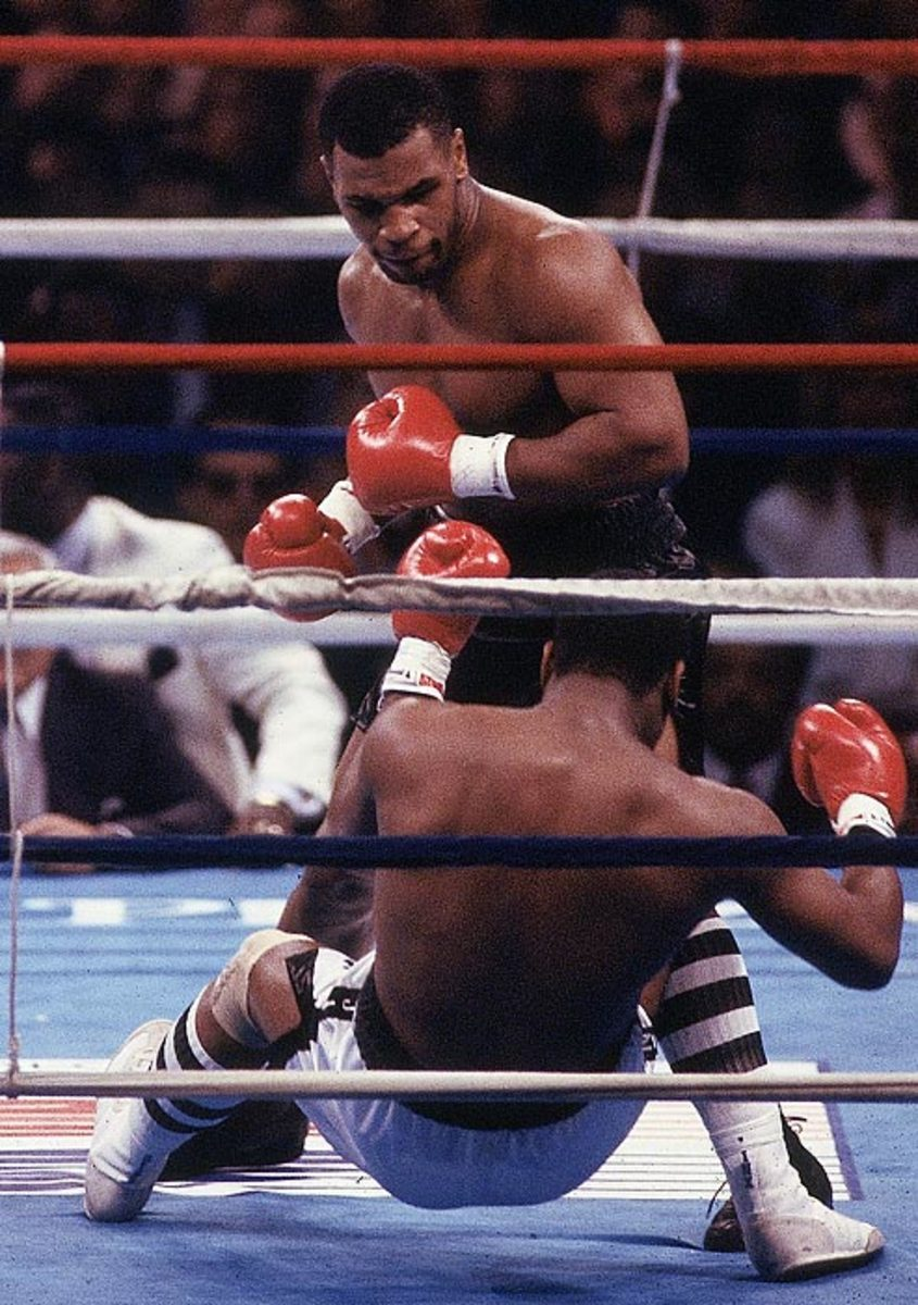 Mike Tyson KO's Michael Spinks