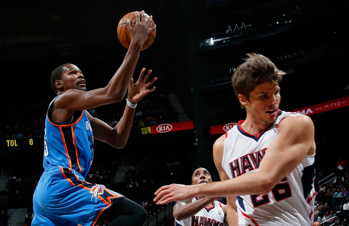 Kevin Durant couldn't be stopped in the fourth quarter on Wednesday night. (Photo by Kevin C. Cox/Getty Images)