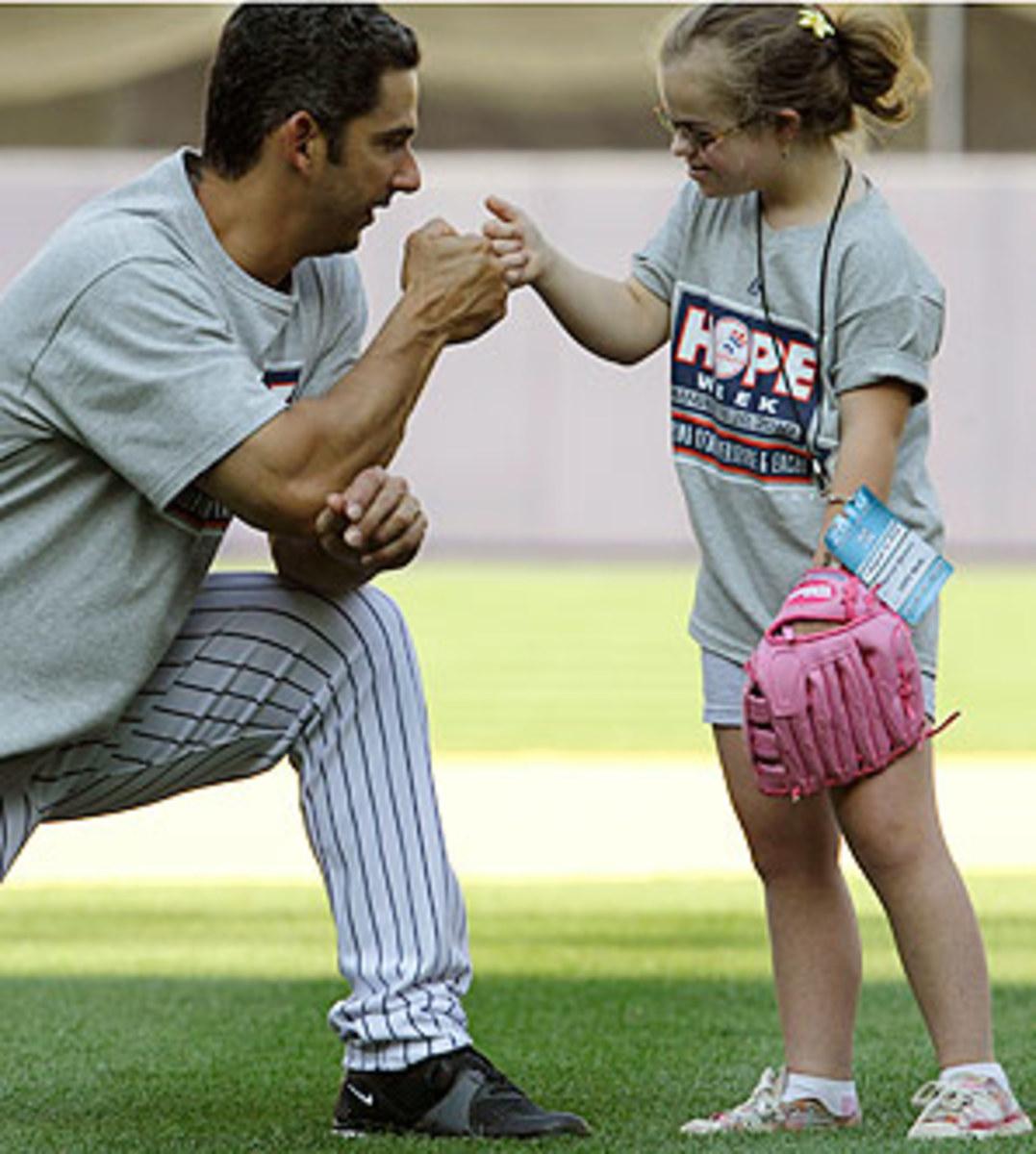 Yankees-HOPE-Week-Baseball.jpg