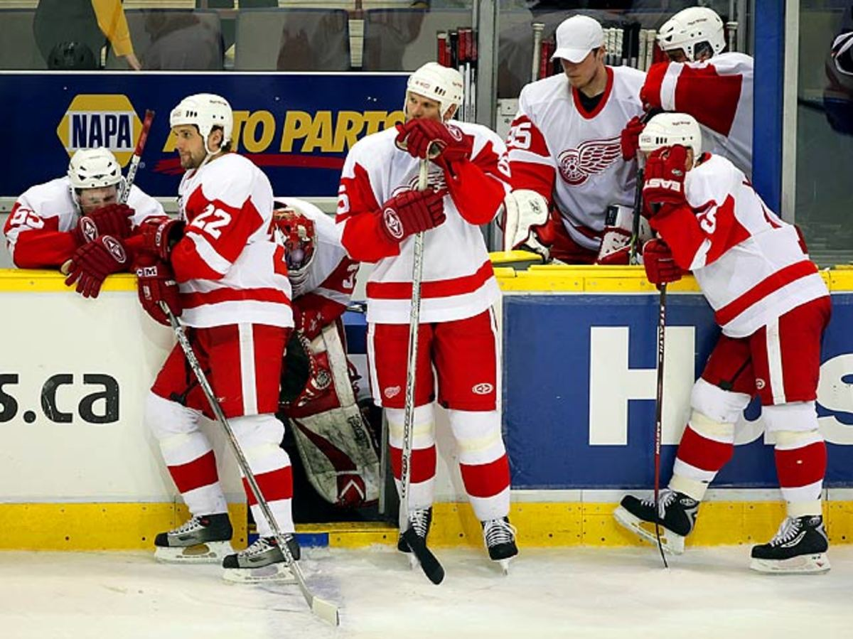2005-06 Detroit Red Wings <br> (124 points)