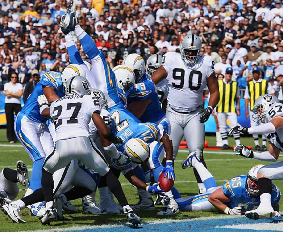 Chargers 28, Raiders 14