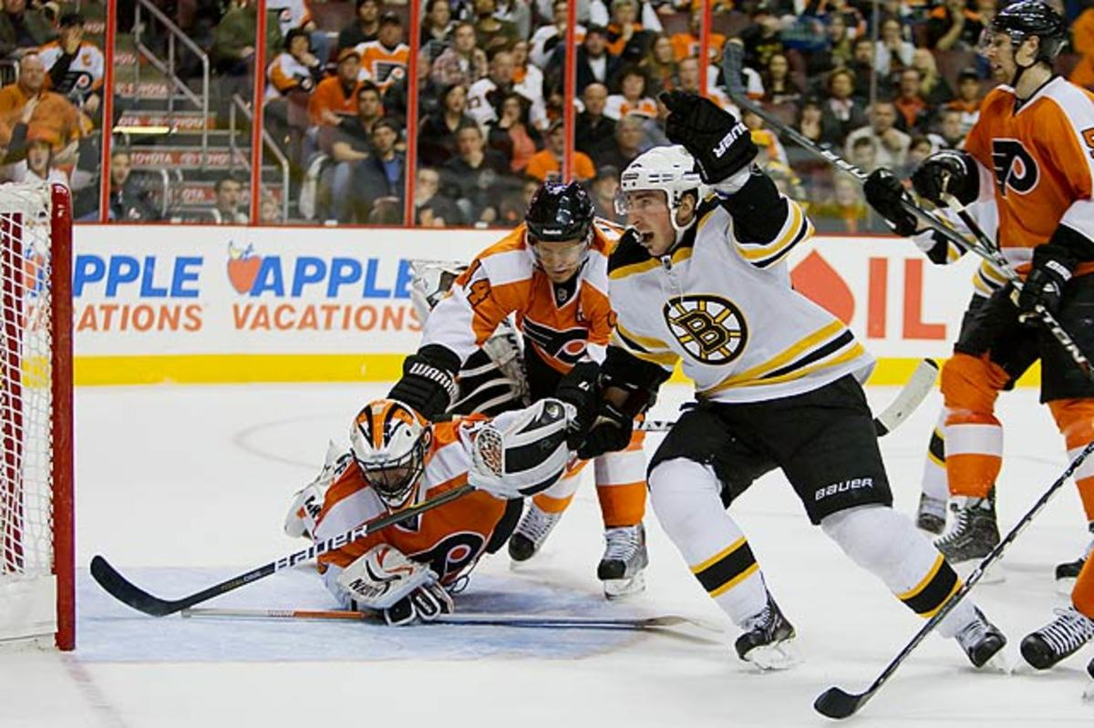 Bruins clinch playoff berth
