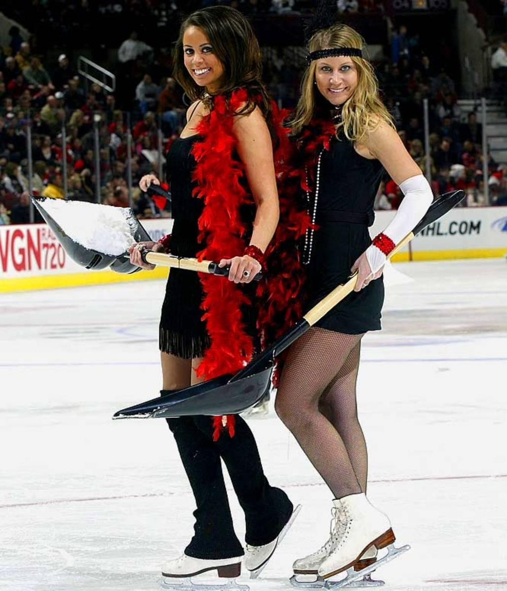 blackhawks-ice-crew%2813%29.jpg
