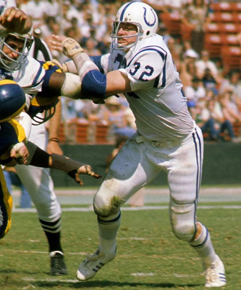 Mike Curtis, Linebacker