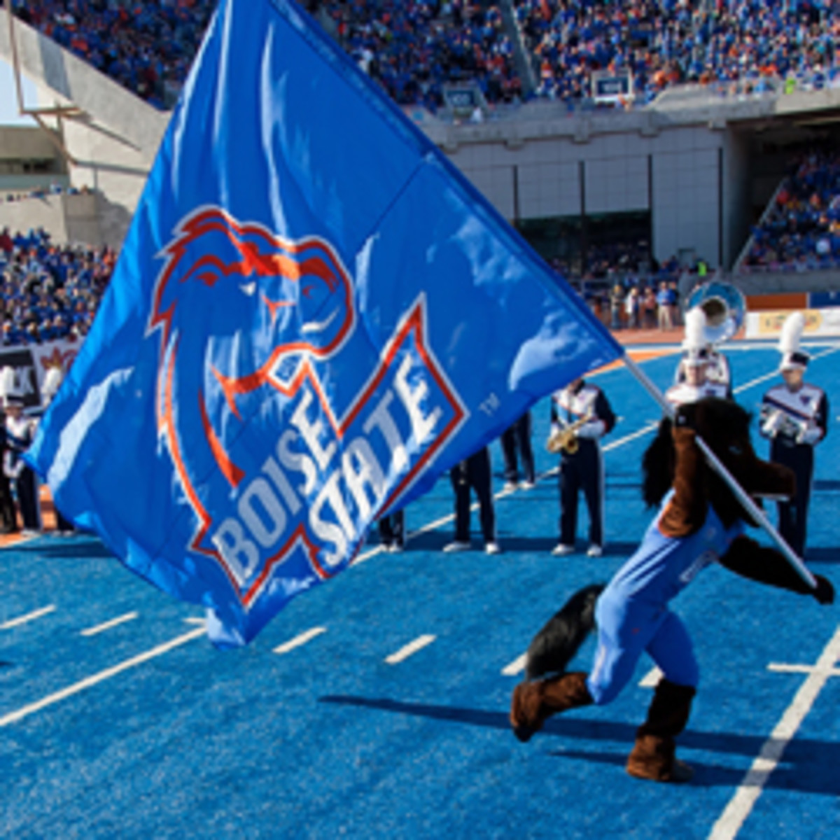 A new Mountain West TV deal could lure Boise State away from the Big East. (Otto Kitsinger III/Getty Images)