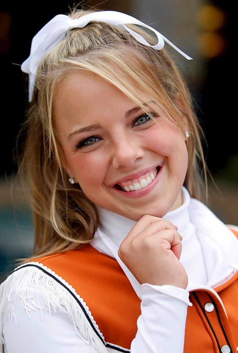 cheerleader.of.week.BO_8345.jpg