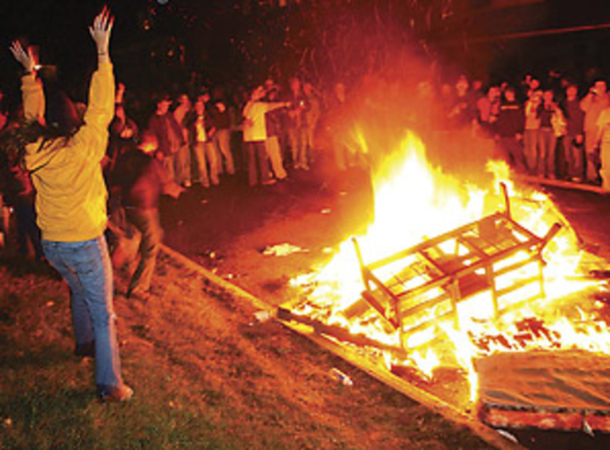 wvu-couch-fire