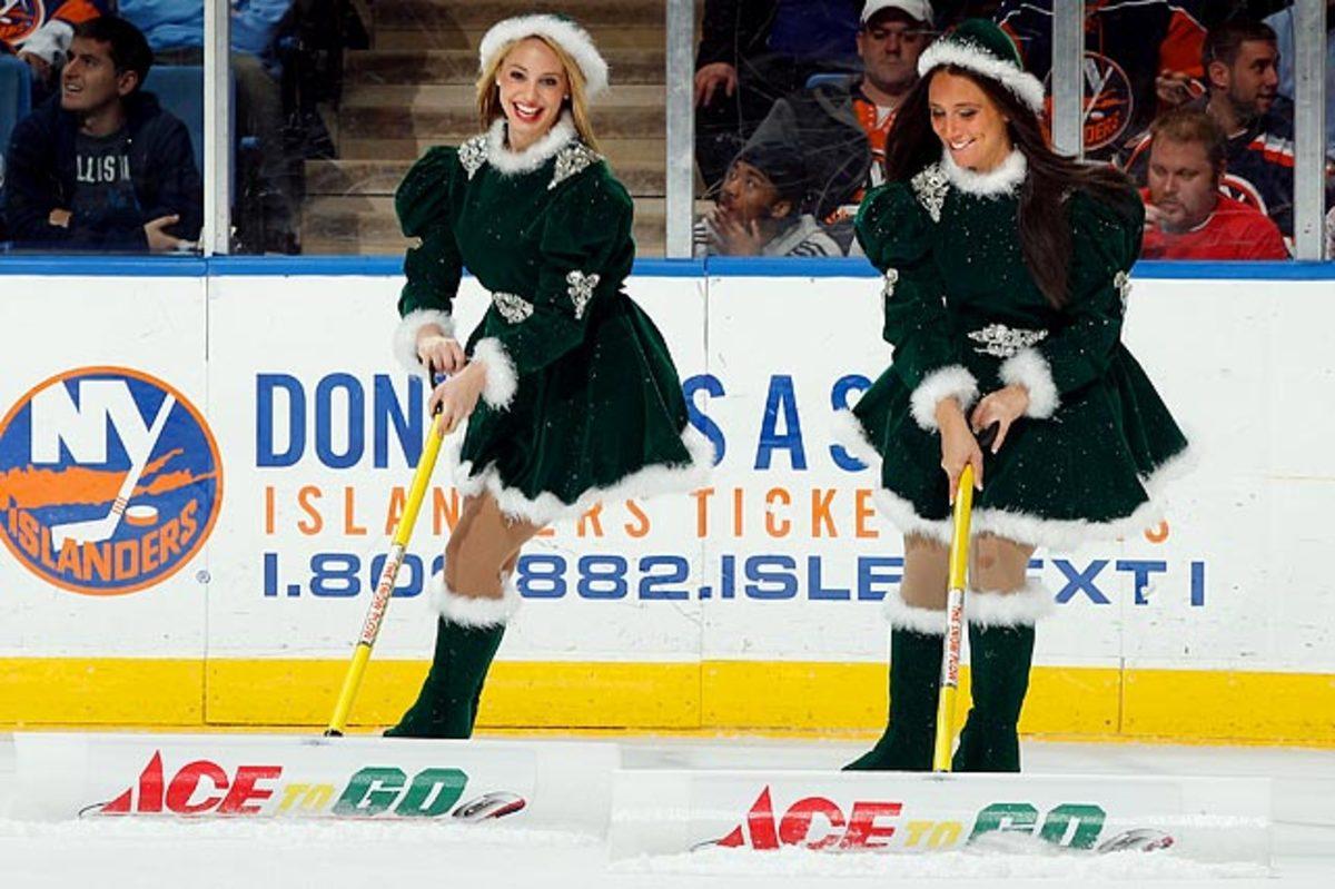 islanders-ice-girls-107986103_10.jpg