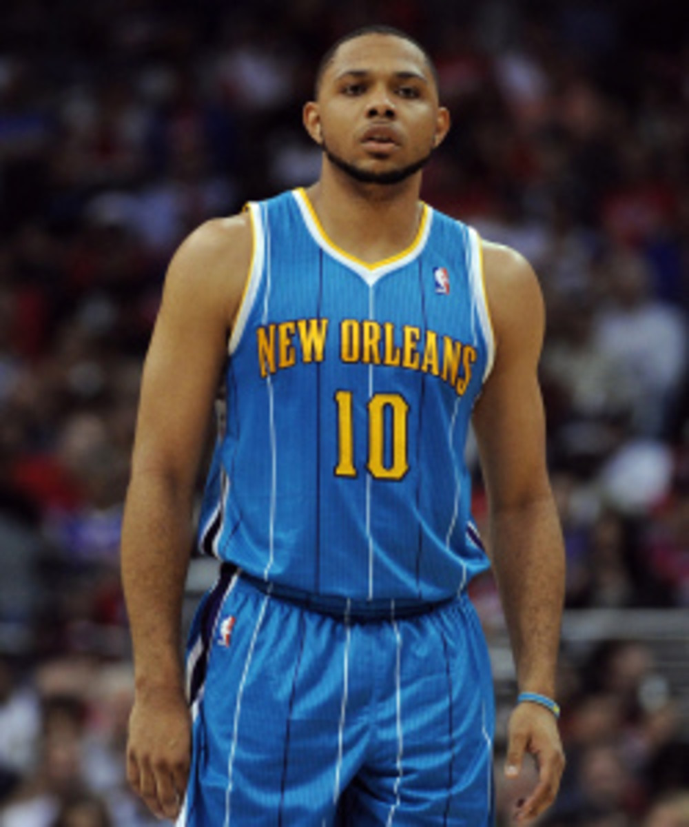 """Eric Gordon said he is """"90 percent"""" sure he will play in a game before the end of the December. (Harry How/Getty Images)"""