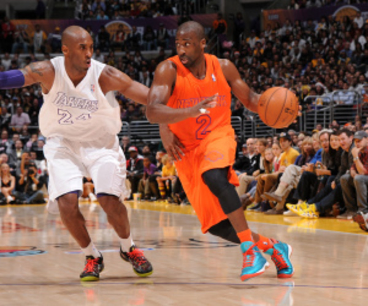Raymond Felton could be out with a sprained pinkie. (Andrew D. Bernstein/Getty Images)