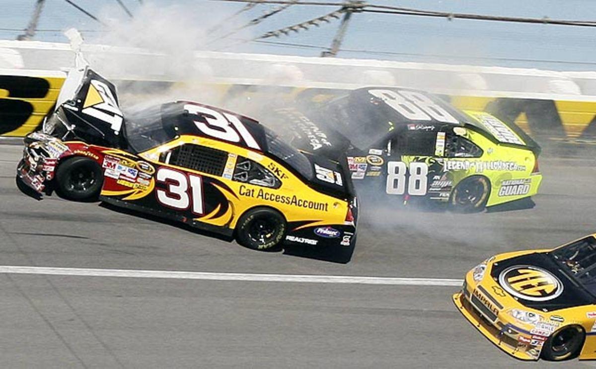 10.NASCAR-Talladega-Auto-Racin.jpg