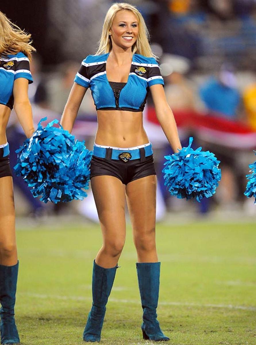 jaguars-cheerleader-kelli%287%29.jpg