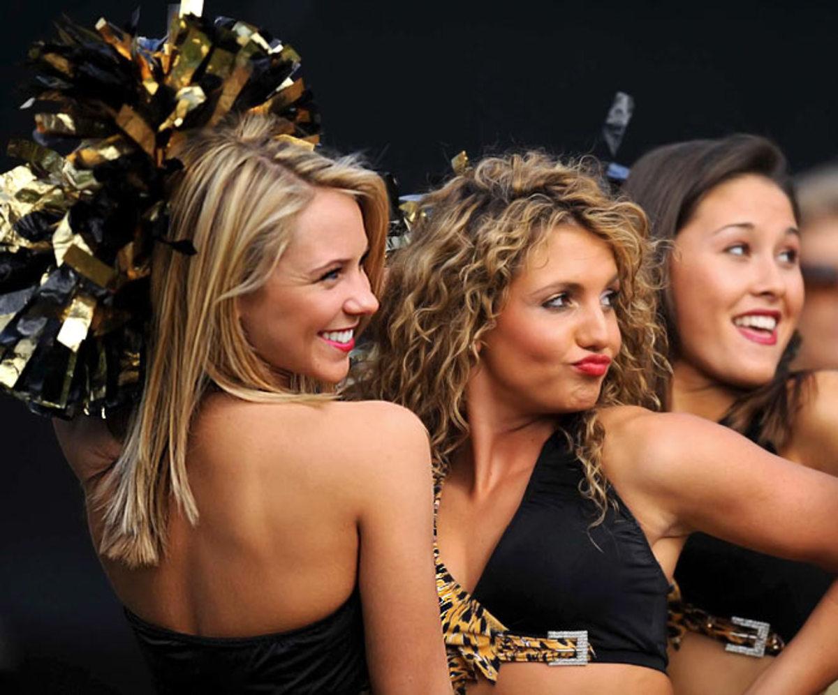 jaguars-cheerleader-kelli.jpg