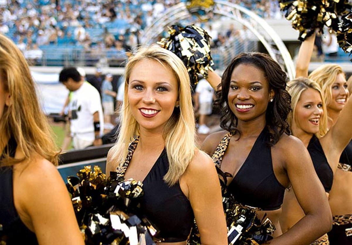 jags-cheerleader-kelli%287%29.jpg