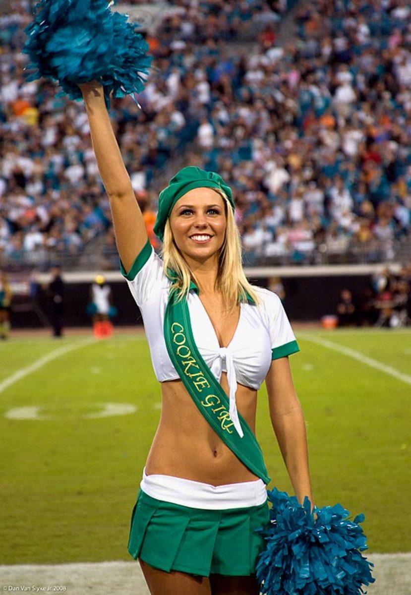 jags-cheerleader-kelli%282%29.jpg